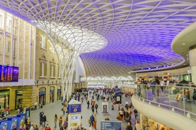 Main Hall of the Kings Cross Station in London, UK