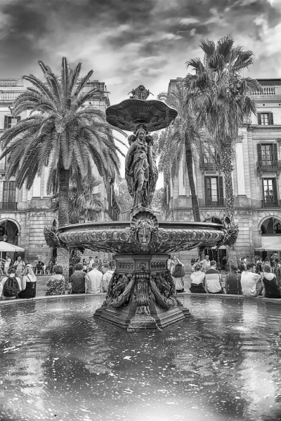 Scenic fountain in Placa Reial, Barcelona, Catalonia, Spain