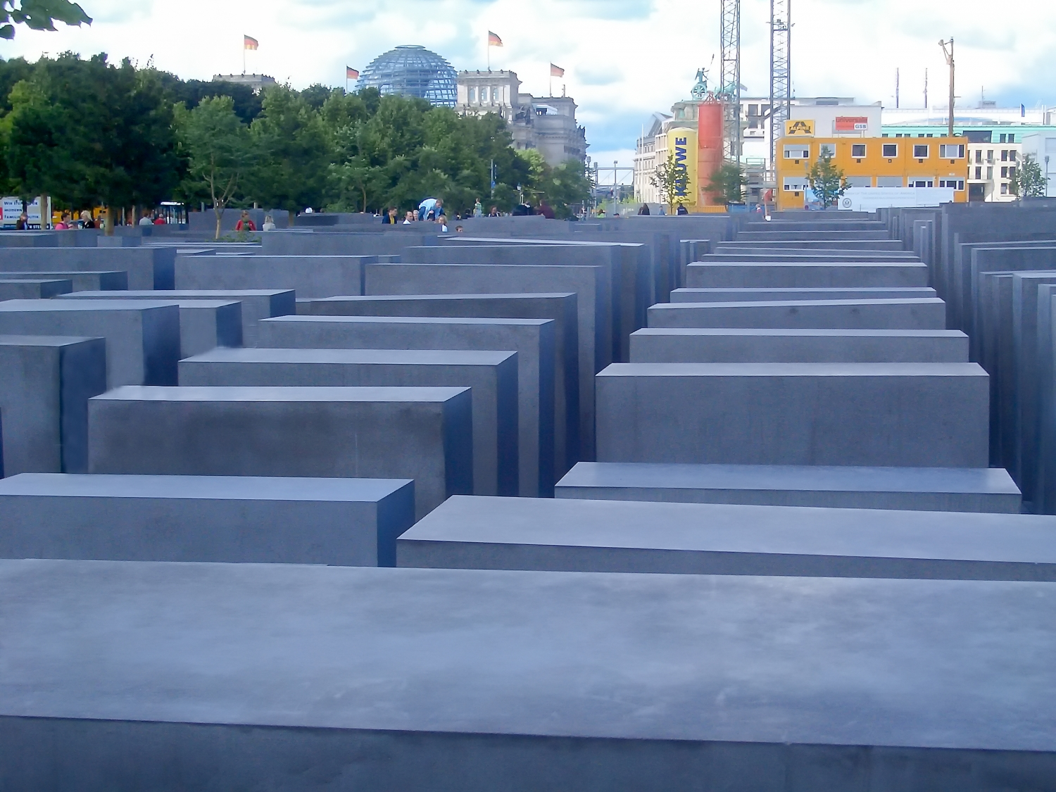 Holocaust-Mahnmal, Memorial to the Murdered Jews of Europe