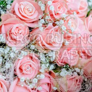 Bouquet of pink roses with small briliants
