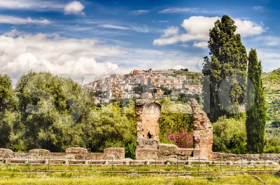 The town of Tivoli as seen from Villa Adriana, Italy Stock Photo