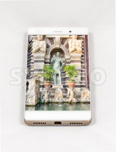 Modern smartphone displaying full screen picture of Villa d'Este, Italy Stock Photo